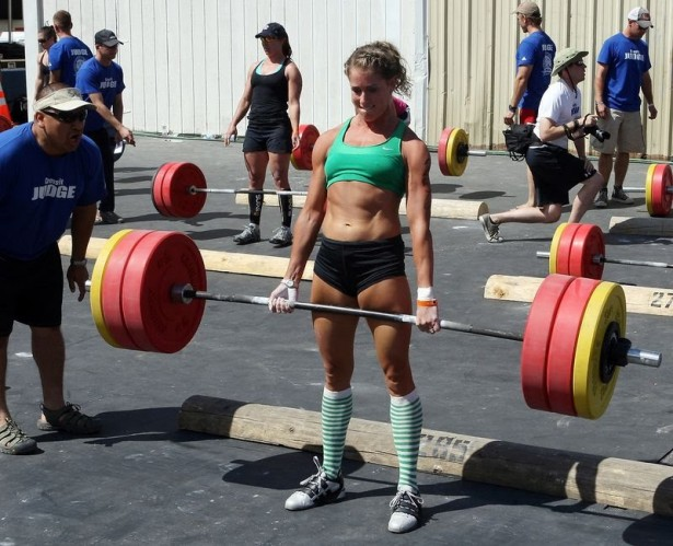 "alt=""girl deadlift"""