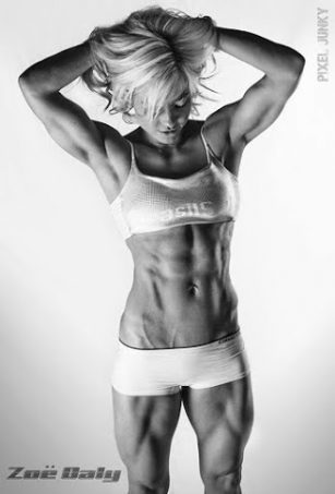 Zoe Daly abs