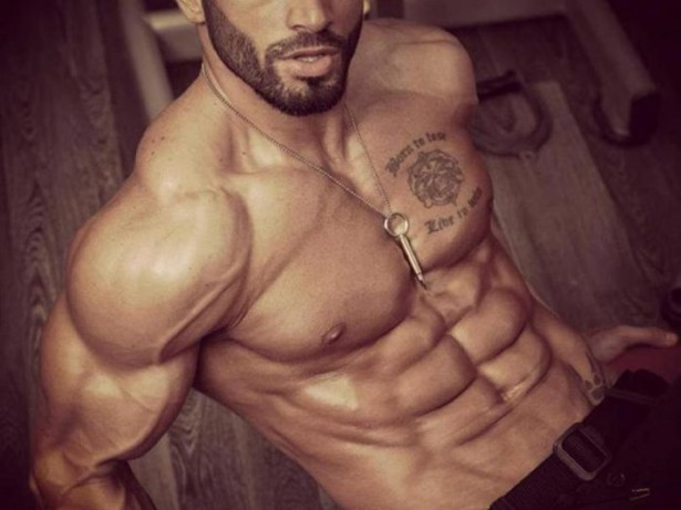 Fitness model abs