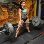 Powerlifter Stefi Cohen Deadlifts 4 Times Her Bodyweight