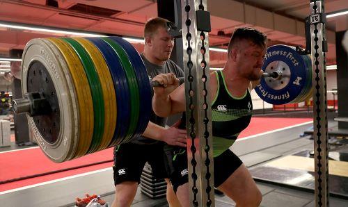 Andrew Porter squat