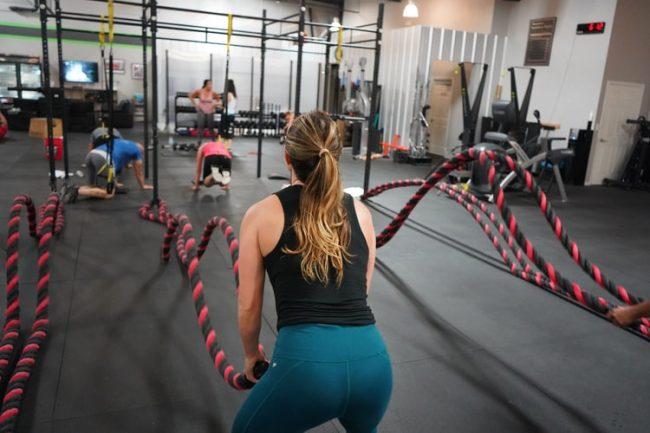 battle ropes girl