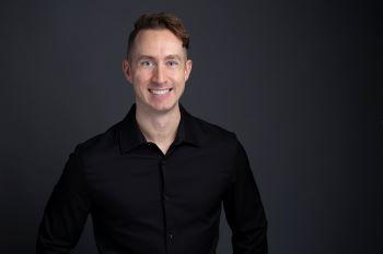 David J Sautten
